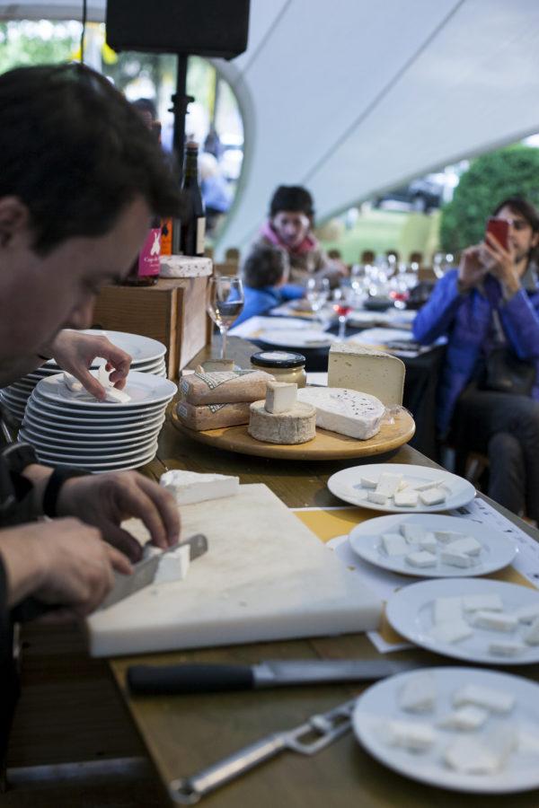 MG 8383 scaled - Dissabte 29 de maig, 21 hores. Formatges de premi: tast entre amics dels formatges guanyadors de Concurs Lactium